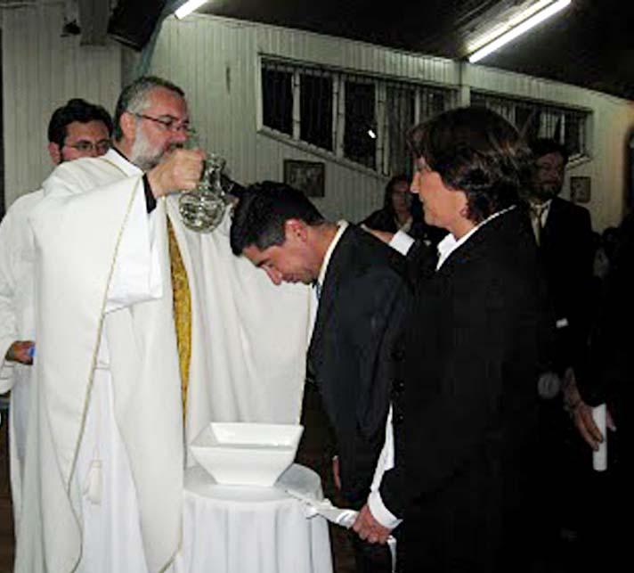 Resultado de imagen de bautismo de adultos