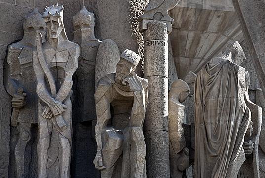 http://www.gestornoticias.com/archivos/religionenlibertad.com/image/subirachs_esculturas.jpg