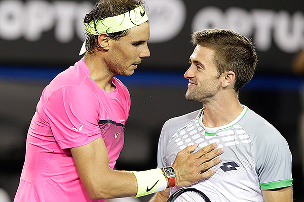 Tim Smyczek, el tenista del deportivo gesto con Rafa Nadal, un adalid del rosario y de la confesión