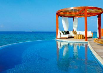 Los 10 Mejores Hoteles Con Piscina Desde Ibiza Suiza Maldivas Y - Habitaciones-con-piscina-dentro