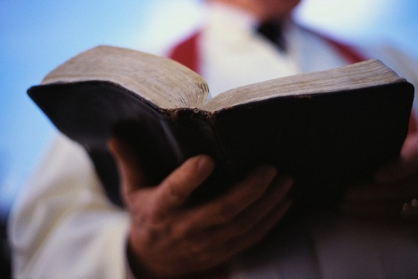Resultado de imagen para la biblia sola no basta